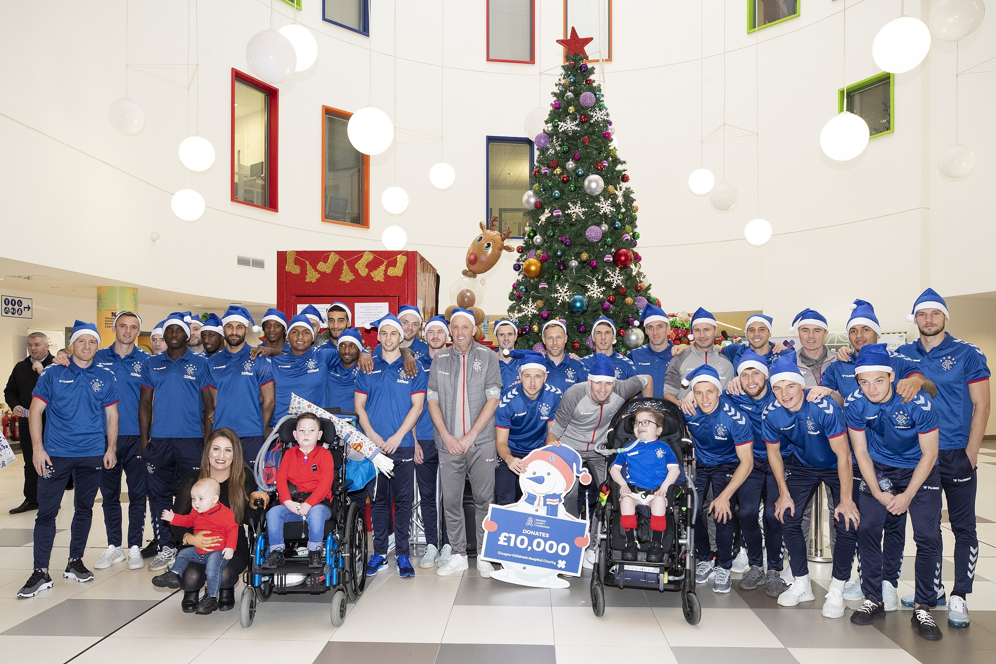 Foundation Donates 10 000 To Children S Hospital During