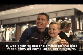 Tav Joins Kids' Christmas Party